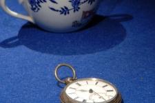 Vajilla y reloj recuperados del Titanic