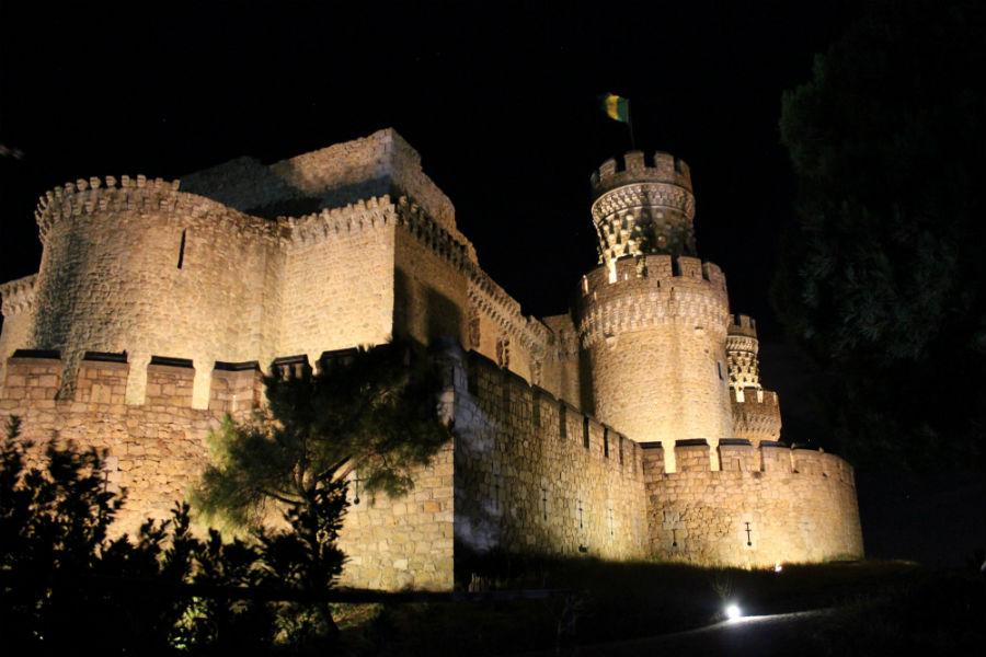 8 castillos visitables cerca de madrid - Casa en manzanares el real ...