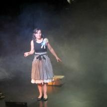 Escena de'Alicia en el País de las Maravillas', por La Maleta de los Cuentos.