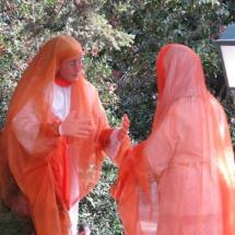 Mujeres charlando en el Belén de El Escorial
