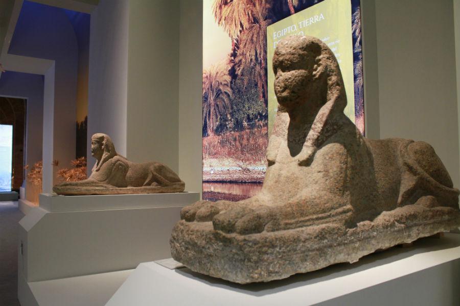 Exposición sobre Cleopatra en Madrid: esfinges