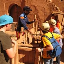 Los artesanos muestran su trabajo