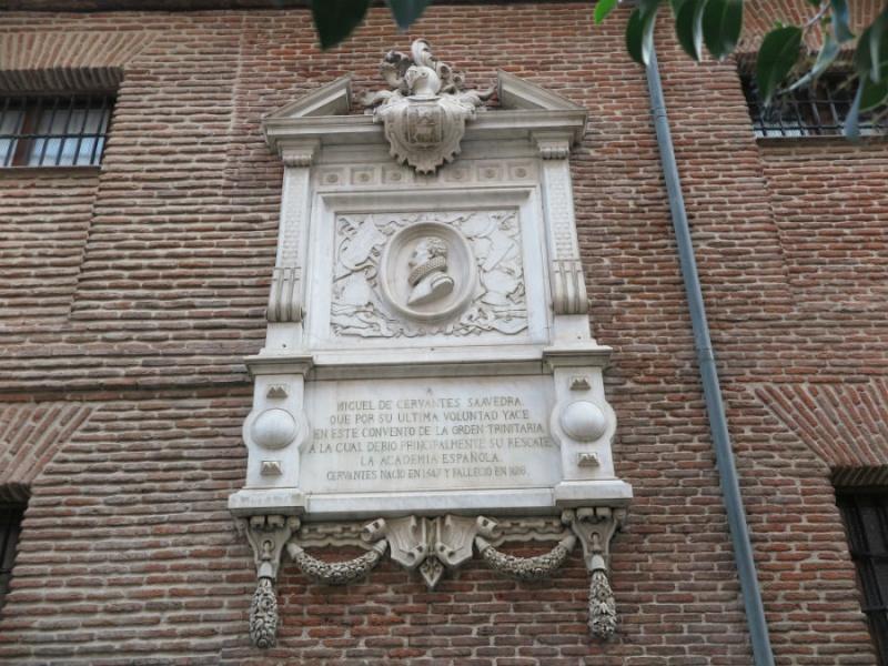 Placa en el Convento de las Trinitarias