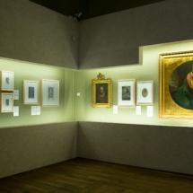 Cuadros en la exposición de Cervantes