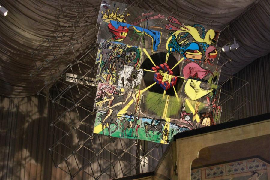 Museo Dalí Figueras: colores brillantes
