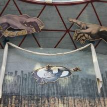Museo Dalí Figueras: manos Miguel Ángel