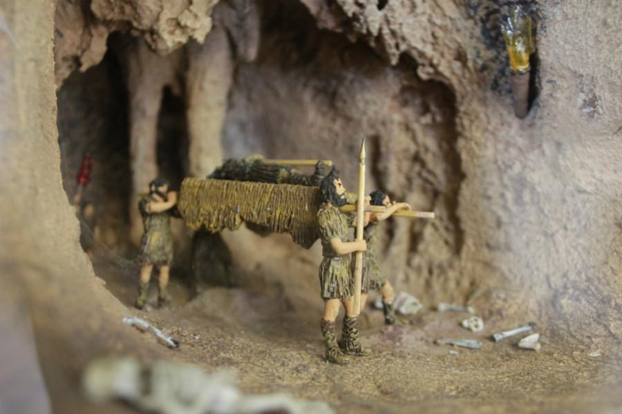 Escena en la Cueva de Los Enebralejos