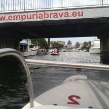 Paseo en barca por Empuriabrava (Girona)