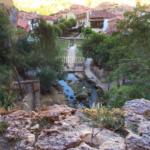Descubrimos una sorprendente cascada urbana en Orbaneja del Castillo