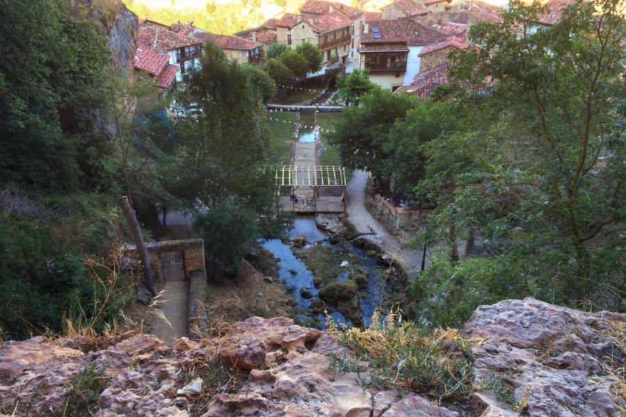 Cascada urbana de Orbaneja del Castillo, en Burgos