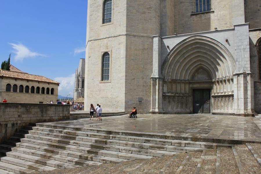 La Catedral De Girona Con Ninos Planesconhijos Com