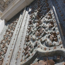 Puerta barroca de la catedral de Girona