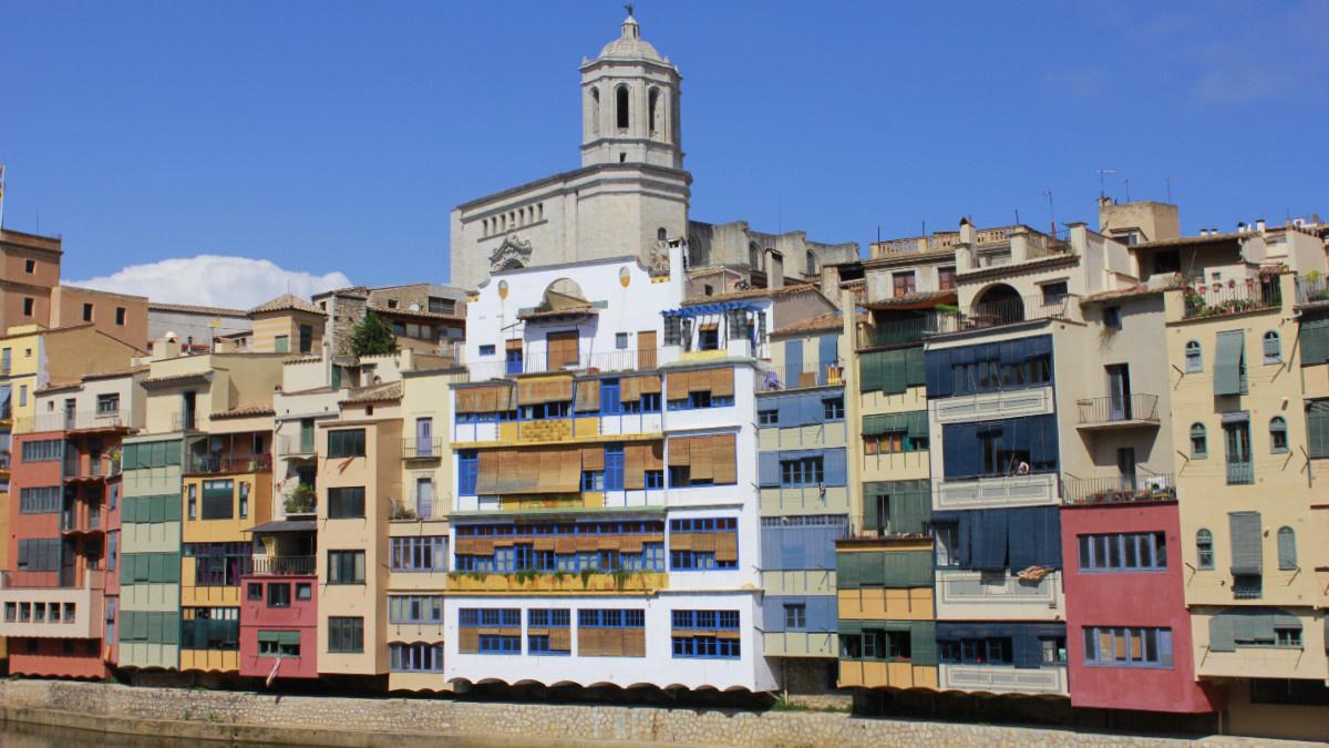 Fachadas de colores de Girona