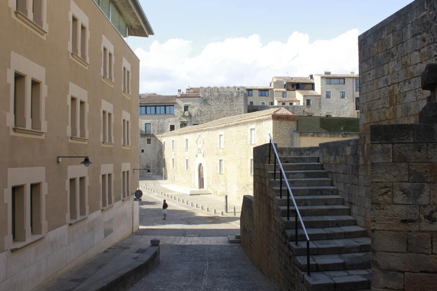 Acceso a la Muralla de Girona