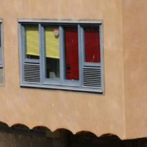 Fachadas de colores en Girona
