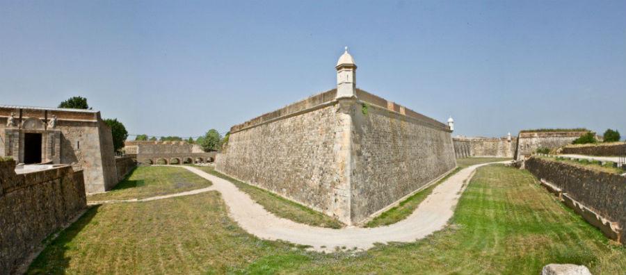 Foso del Castillo de Sant Ferrán, en Figueres