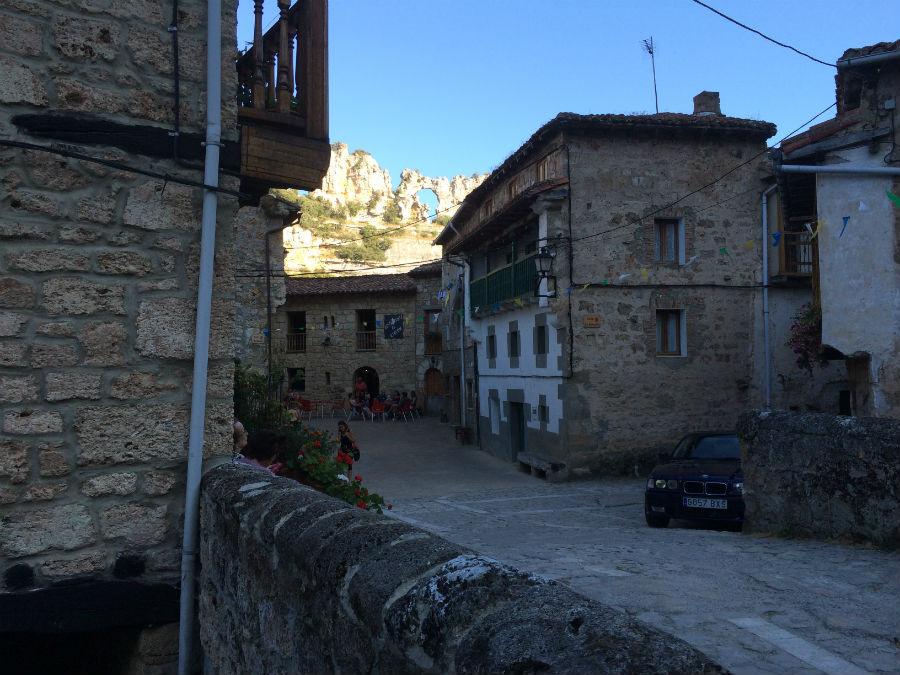 inocente adulto pequeña cerca de Burgos