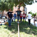 Slackline: cómo practicar este deporte para adultos y niños