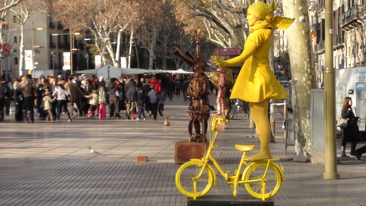 Paseamos con los niños por Las Ramblas de Barcelona