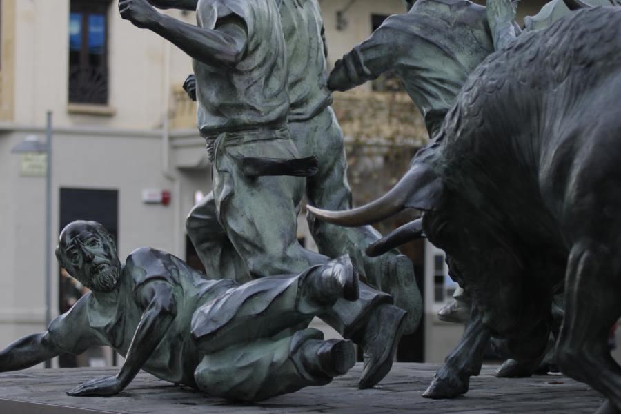 Monumento al encierro en Pamplona