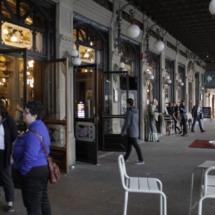 Terraza del Café Iruña, en Pamplona