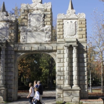 Portal de San Nicolás, en el Parque de la Taconera
