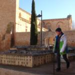 Fachada y maqueta del Monasterio de Santa María de la Huerta, en Soria