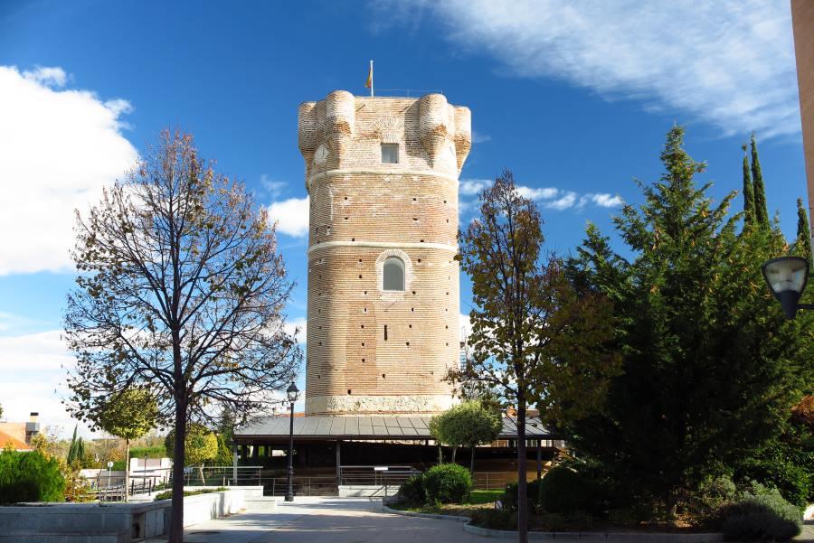Torreón del castillo de Arroyomolinos (Madrid ...
