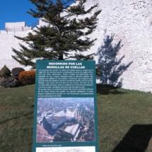 Cartel informativo de la muralla de Cuéllar