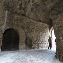 Interior de los arcos de Buitrago de Lozoya