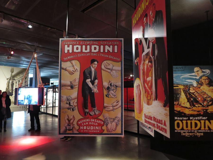 Expo sobre Houdini en la Fundación Telefónica