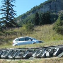 Cartel de bienvenida a las cuevas de Roquefort