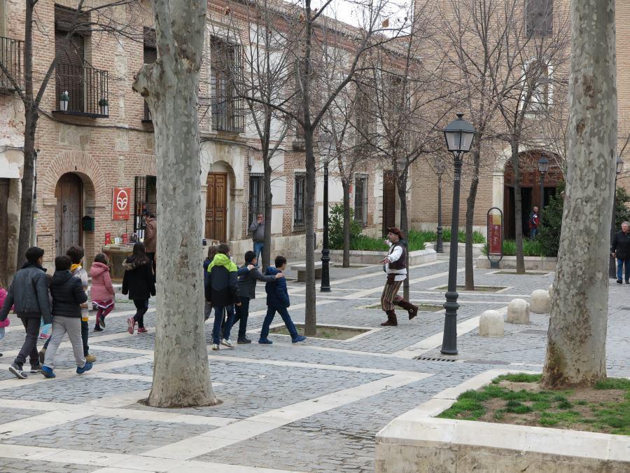 Paseo por Alcalá de Henares en una visita teatralizada