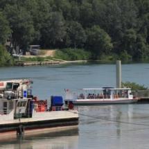 Barcazas en el río Ródano