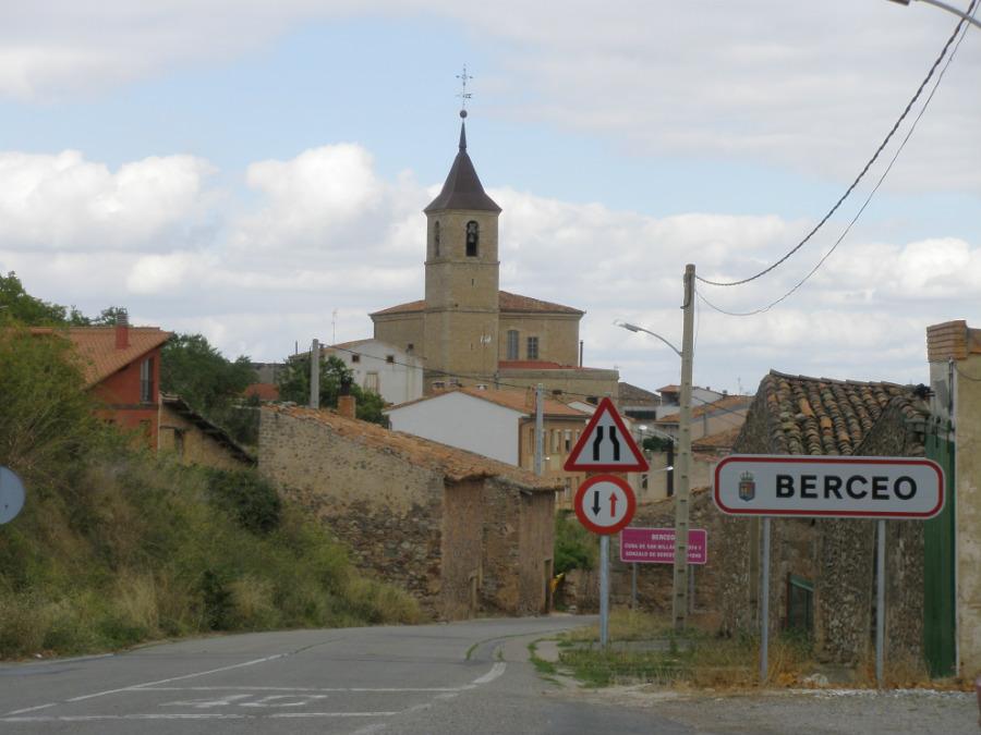Entrada a Berceo, en La Rioja