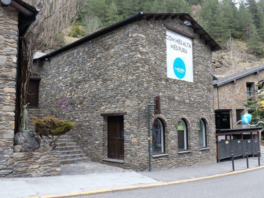 El agua del grifo de Andorra, paradójicamente, es muy mala...