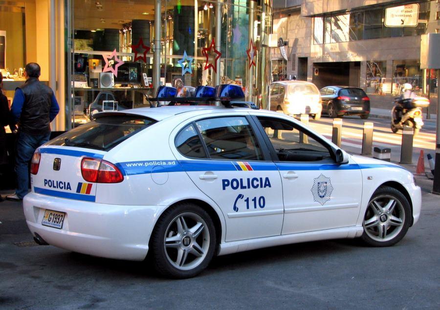 Los policías andorranos prestan servicios como pregoneros de funerales