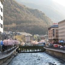Paseos junto al río Valira, en Andorra la Vella
