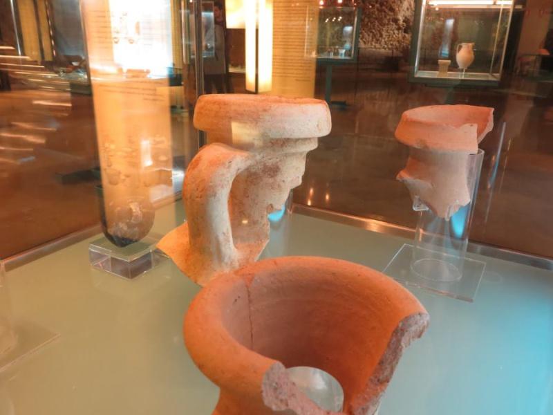 Restos de ánforas romanas en el Museo del Foro de Zaragoza