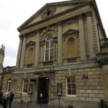 Fachada de las termas de Bath