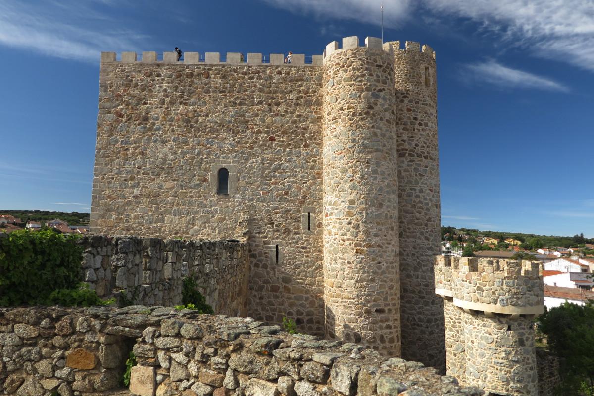 Edificio central del Castillo de la Coracera