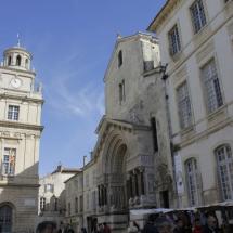 Ayuntamiento y Saint Trophime, en Arles