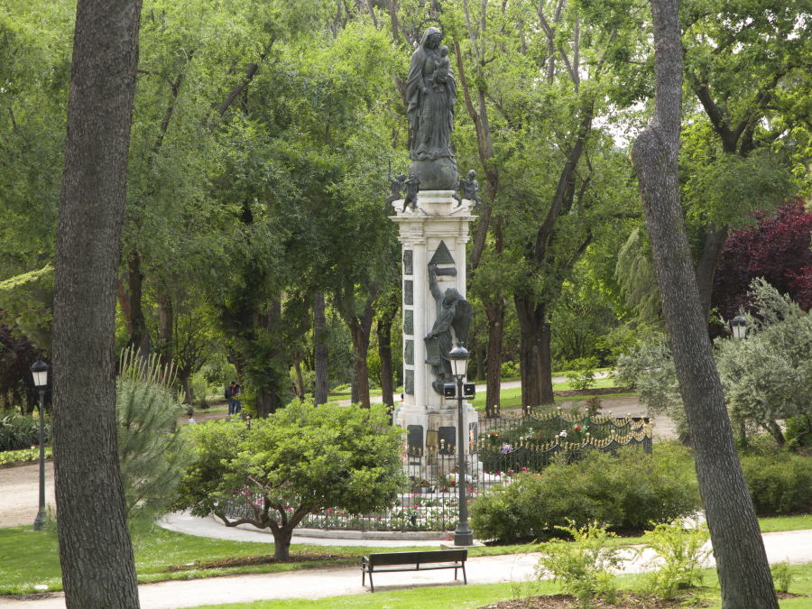 Estatua del Parque del oeste de Madrid