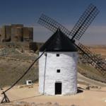 Consuegra: castillo y molinos en la Ruta del Quijote
