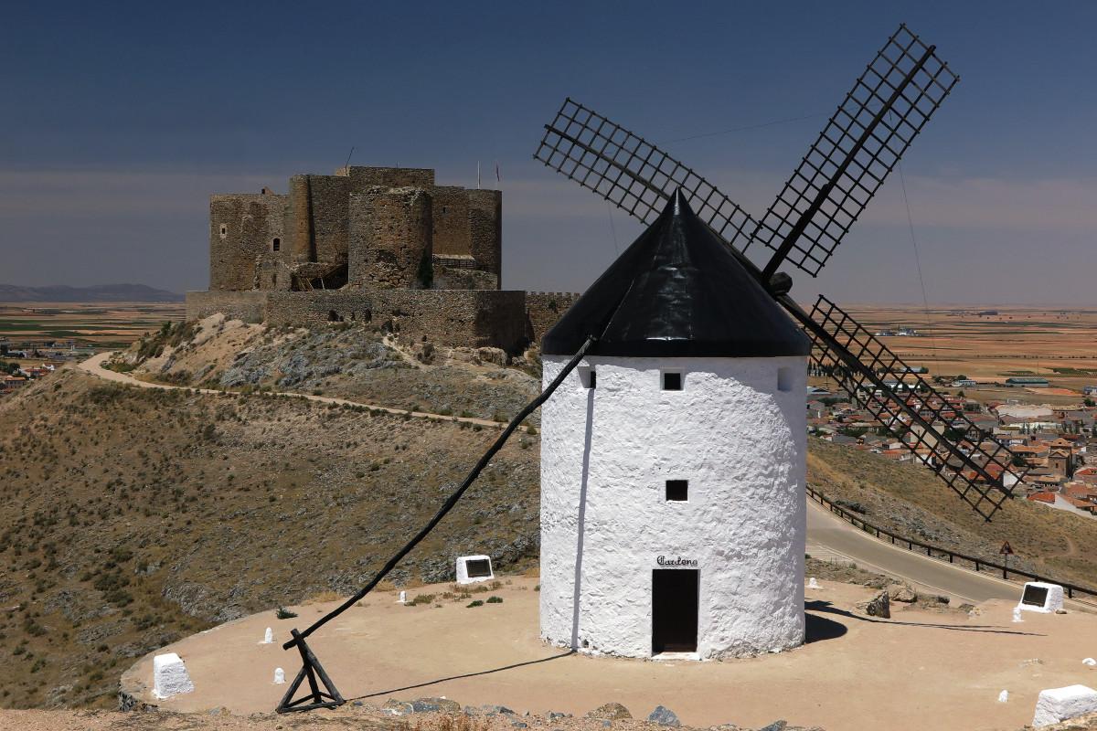 Castillo y molino de Consuegra