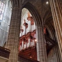 Interior y órgano de la Catedral de Narbona