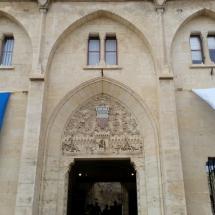 Puerta del Palacio Nuevo en Narbona