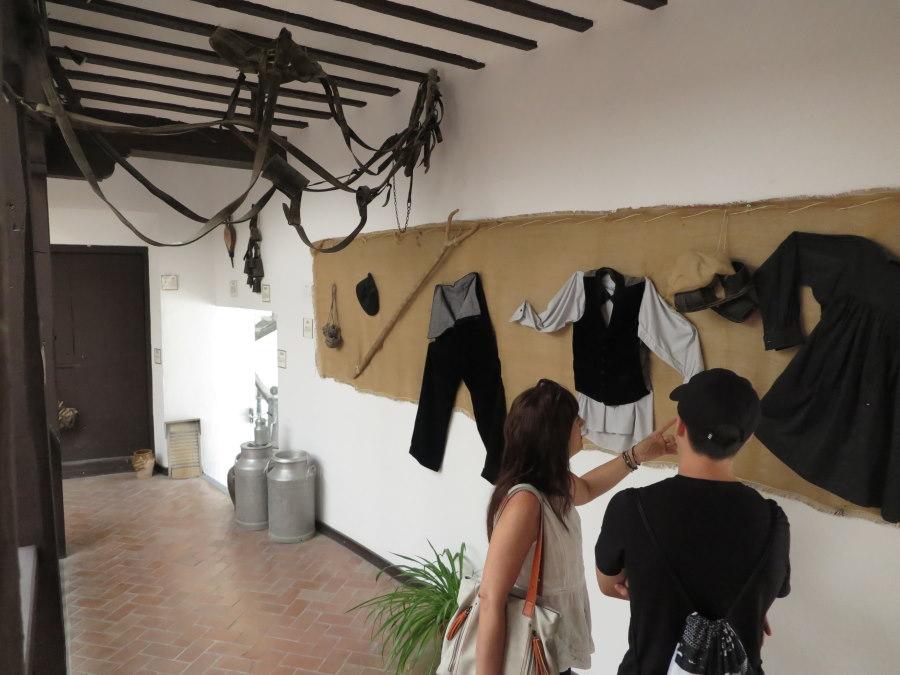 Indumentaria típica en el museo etnográfico de Tembleque