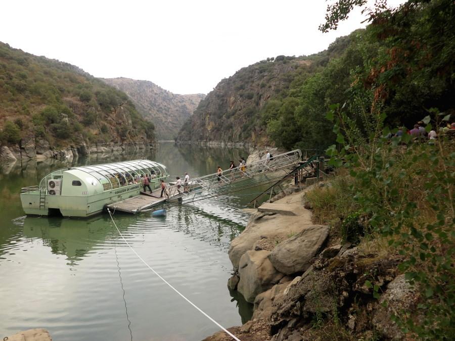 Paseo En Barco Por Las Arribes Del Duero Planesconhijos Com