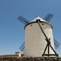 Mástil para orientar las aspas de los molinos de viento
